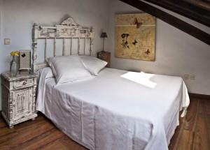 Hotel rural en Cantabria, Hotería de Arnuero. Habitación ático..